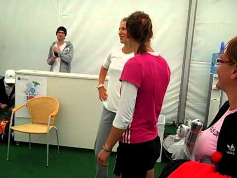 What tennis players do when it rains in Wimbledon