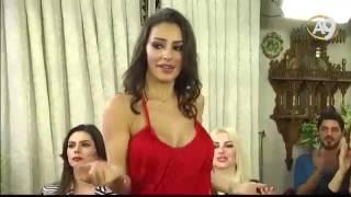 Adnan Oktar'ın önünde seksi dans eden kedicik
