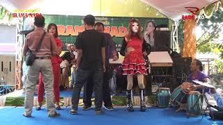 Download Mp3 Jangan Nget Ngetan Organ Dangdut Irama Nada Hjt. Bp. Badillah- Ibu Rianti Kebond