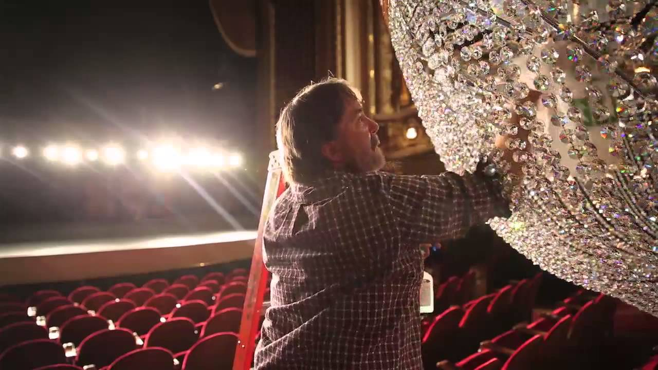 How to clean a 1 ton chandelier youtube arubaitofo Choice Image