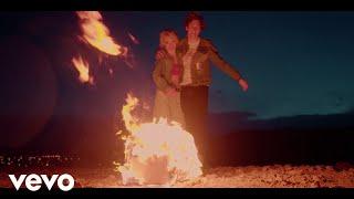 Смотреть клип Gryffin & Audrey Mika - Safe With Me