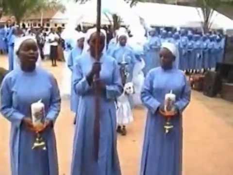 Nga Muwoomedde ebyambalo by Bannabikira Sisters