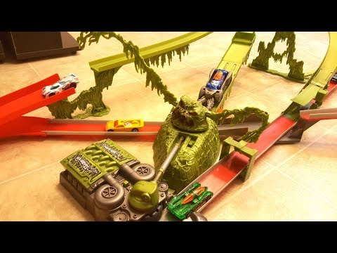 Swamp Beast AcceleRacers Track Playset Hot Wheels Unboxing And Demonstration