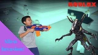 Incursão alienígena-há muitos! -{Roblox}