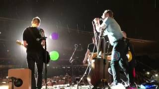 Coldplay - In My Place - Sydney (Live in the rain)