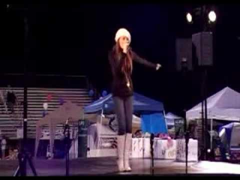 Samantha Jade performing