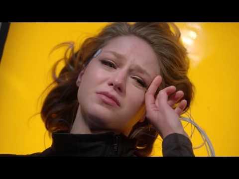 Kara Danvers/ Supergirl vs  Hank Henshaw / J'onn J'onzz
