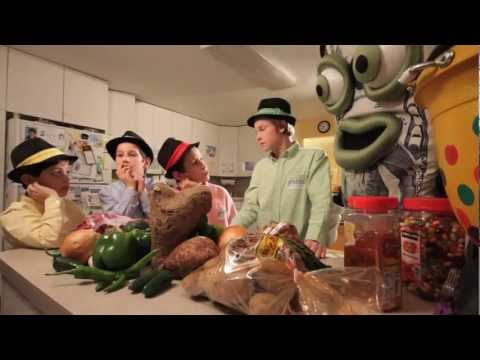 Oorah's Fiveish And Friends from Shmorg 4 - Fiveish Get's Ready For Shabbos