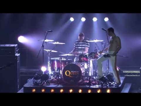 One Night Of Queen - We Will Rock You - Lyon Bourse du Travail 16.10.2015