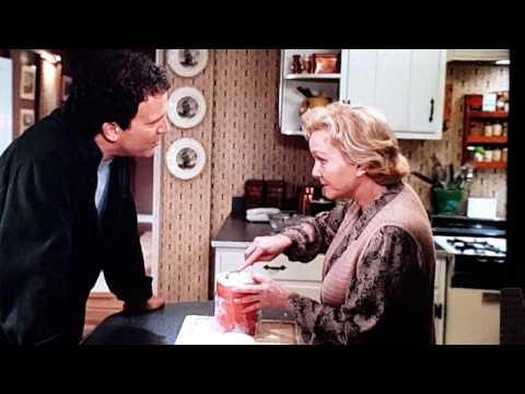 Debbie Reynolds MOTHER 1996 #ProtectiveIce