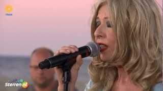 Bonnie St. Claire - Sla je armen om me heen - De Zomer Voorbij 2012