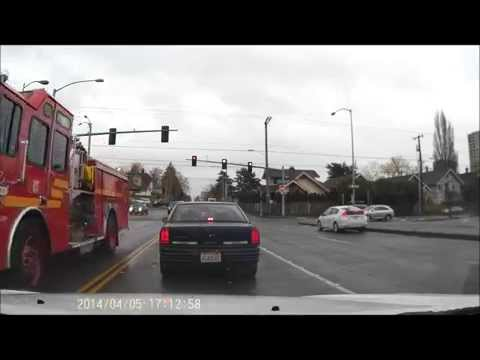 Seattle Fire responding through red light