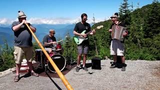 Video TWICE [트와이스] - [ENG SUB] - Trying To Play The Swiss Alpenhorn! download MP3, 3GP, MP4, WEBM, AVI, FLV Februari 2018
