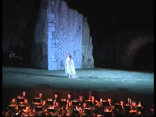 G.Verdi: Il Trovatore D´amor sull´ali rosee ADRIANA MARFISI 2006