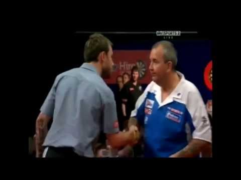 Paul Nicholson waving goodbye to Phil Taylor - 2011 PDC UK Open