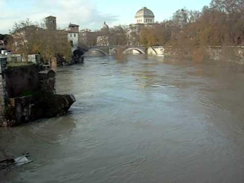 Flooding Tiber Rome 2008