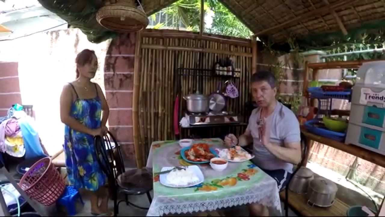 Cheap Philippine meal, for 40 PHP, Myra's kitchen, Gopro 4 ...