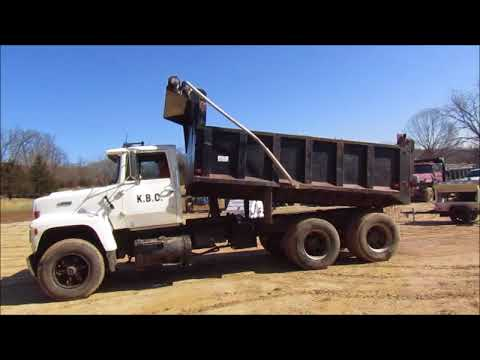 1989 Ford LT9000 dump truck for sale at auction | bidding closes May 3, 2018