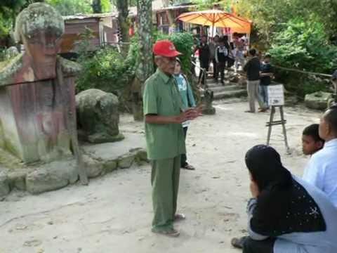 Tomok Village - Samosir Island - Lake Toba - North Sumatra - Indonesia Travel Guide (Tourism)