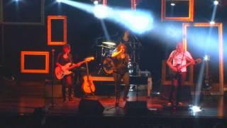 banda BONECA DE CERA - BACK TO BLACK (Amy Winehouse)