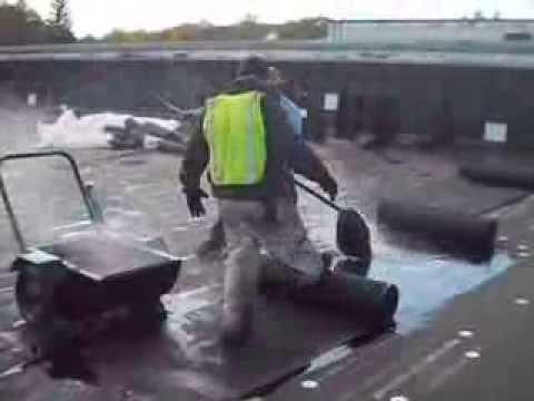 Trabajando En El Roofing Tirando Chapopote Youtube