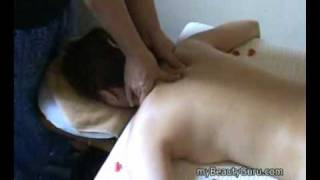 How to give a back massage (Singapore Spa)