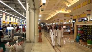 Inside Villaggio Mall_Doha, Qatar
