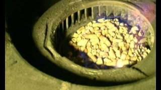Запуск котла на гранулах GRANDEG(Запуск пеллетного котла ГРАНДЕГ. Просто, удобно, быстро - без проблем !, 2009-05-28T14:32:41.000Z)