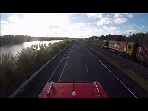 Geoffs Highway Cam:  Truck roof POV  Hamilton to Auckland SH