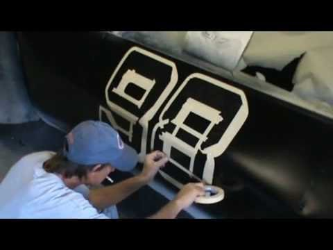 how to spray paint racing numbers on a car at home yourself. Black Bedroom Furniture Sets. Home Design Ideas