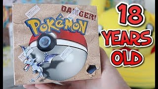 *RARE* Pokemon Fossil Booster Box Opening