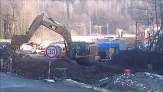 Gambar cover Přestavba křižovatky na Oloví - bagr CAT - CAT excavator - CAT Bagger
