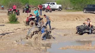 Video Can  Am  renegade  stuck  mudding download MP3, 3GP, MP4, WEBM, AVI, FLV Januari 2018