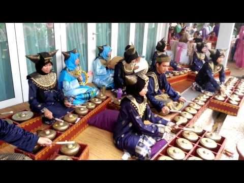 IIUM Andeka Caklempong - Bismillah (Raihan)