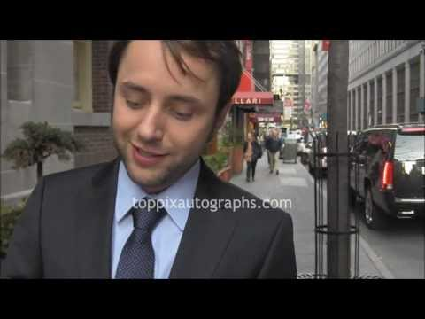 "Vincent Kartheiser - Signing Autographs at ""Mad Men"" Panel in NYC ..."