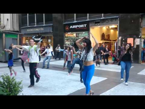 Buenos Aires Flash Mob Uptown Funk