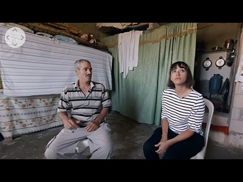Rashida Jones Visits a Syrian Refugee Camp (Shot in 360) | Vanity Fair