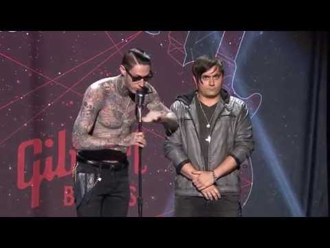 APMAs 2015: Trace Cyrus of Metro Station calls out All Time Low