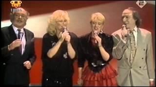 Bonnie St  Claire, Corry Konings, Peter Koelewijn & Nico Haak - Een heel gelukkig kerstfeest