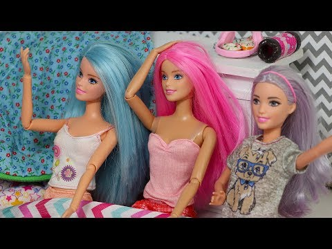 Barbie Sleepover Stop Motion Vlog with Kira and Rika