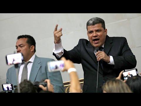 Venezuela : Juan Guaido à la porte, un élu d'opposition s'autoproclame président du Parlement