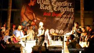 TripleX - Side by Side (Live in Walk Together Rock Together)