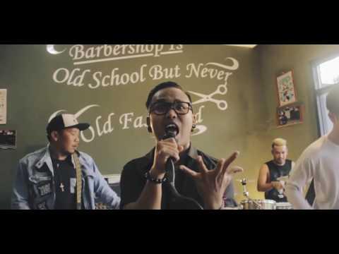 Band keren PUNXGOARAN   Mardua Holong Omega Trio CoverMarlen bantu share