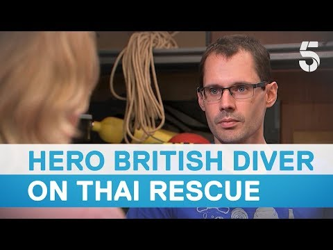 Thai cave rescue: British diver lost rope guide for four minutes during mission  5 News