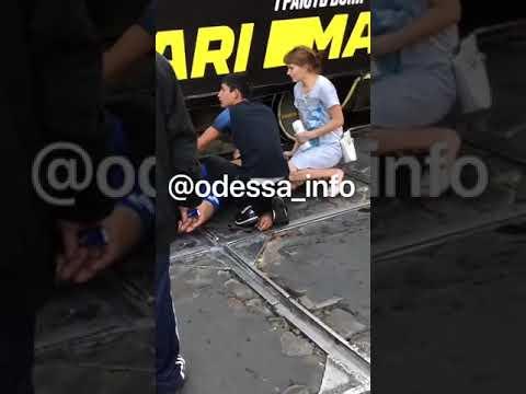 На Пантелеймоновской парня ранили ножом / видео: Одесса Life