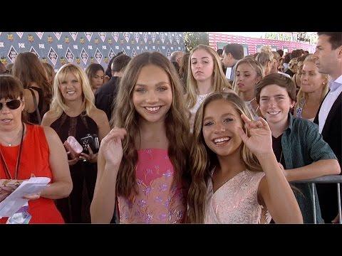 Maddie Ziegler & Mackenzie Ziegler Teen Choice Awards 2016 Green Carpet