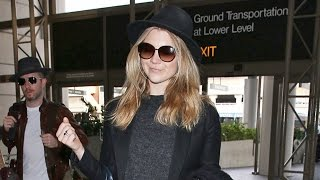 Natalie Dormer And Fiance Head To London After Golden Globes