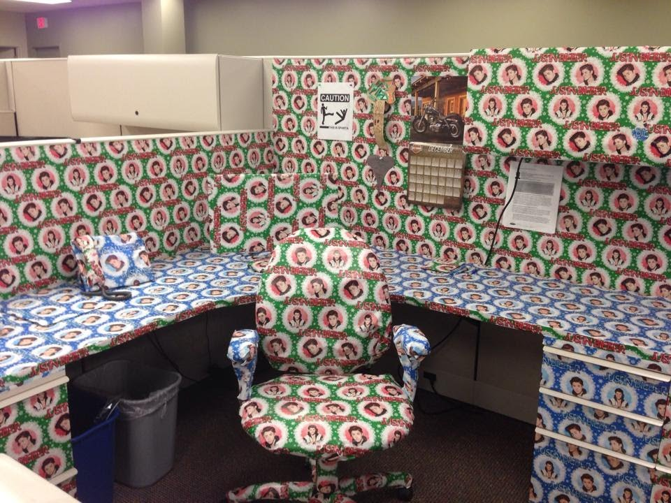 The Justin Bieber Wrapping Paper Cubicle Prank