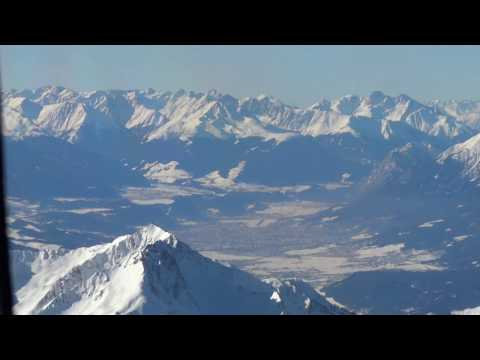 Bombardier Challenger 604 Landing Over Austrian Alps At Innsbruck (Cockpit View)