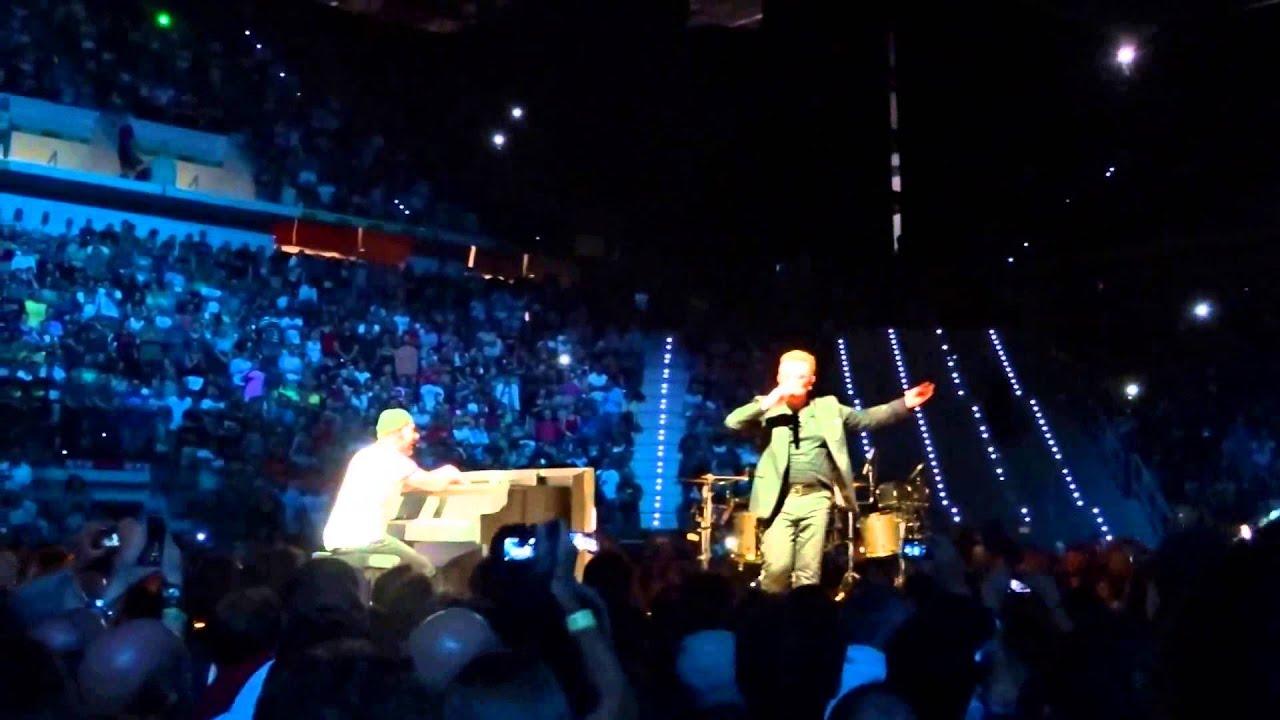Bono canta «Torna a Surriento» | U2